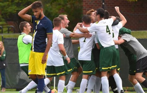 Men's Soccer Upsets No. 2 Nationally Ranked Southern New Hampshire