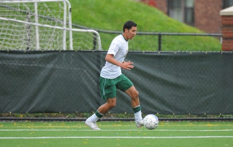 Men's soccer splits week's games, now tied for 3rd place