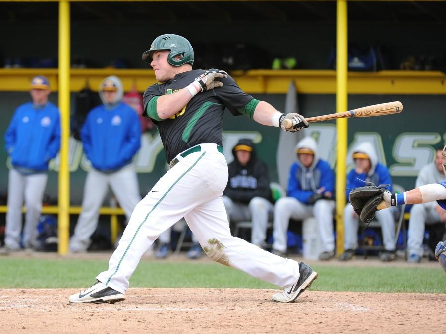 Baseball sweeps American International to end regular season strong