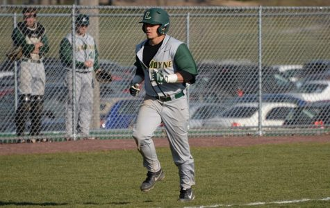 'Phins Baseball Wins 3, Loses 3 on Road