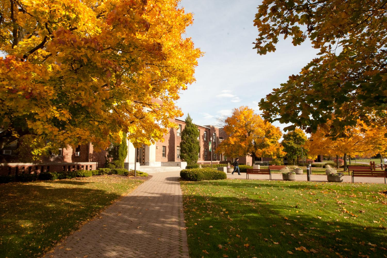 [Le Moyne College]